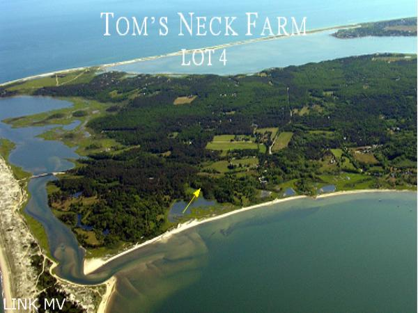 Tom's Neck Farm entrance