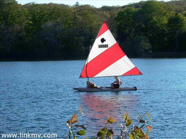 Sailing on Seths Pond