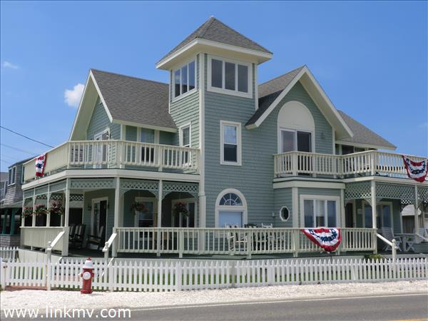115 Sea View Avenue Marthas Vineyard MA