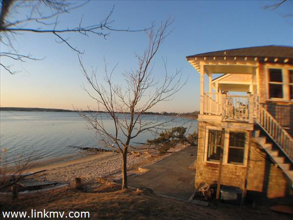 Fabulous Waterfront Location