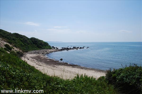Deeded access to 100 ft of Private Beach