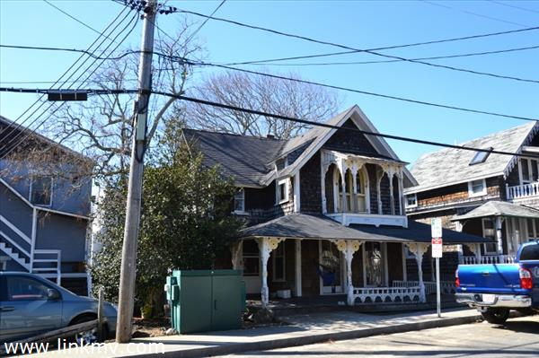 Oak Bluffs real estate 27104