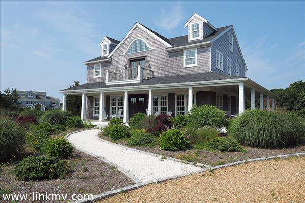 1 Town Lot Circle Marthas Vineyard MA