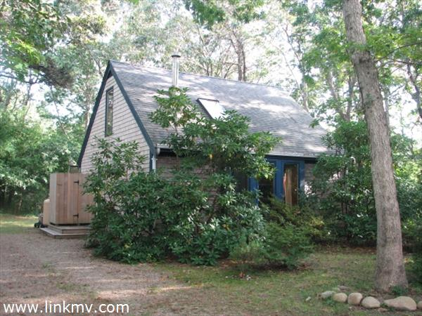 Oak Bluffs real estate 27504