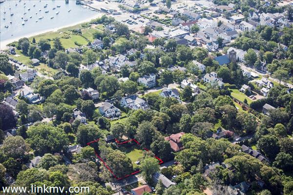 107 Franklin Street, Vineyard Haven, MA