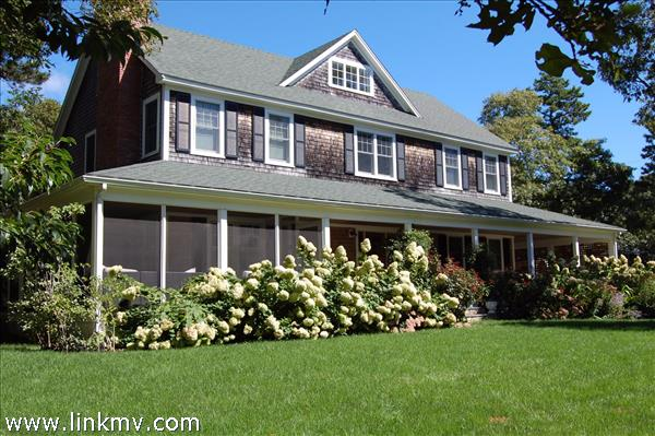 15 Green Avenue, Oak Bluffs, MA