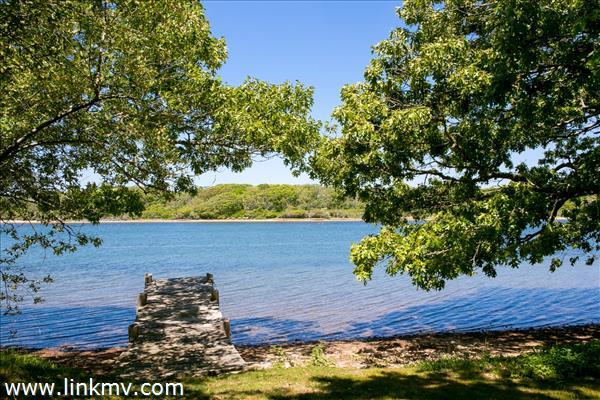 82 Turkeyland Cove Road Marthas Vineyard MA