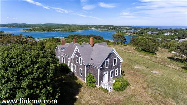 Chilmark antique house and barn