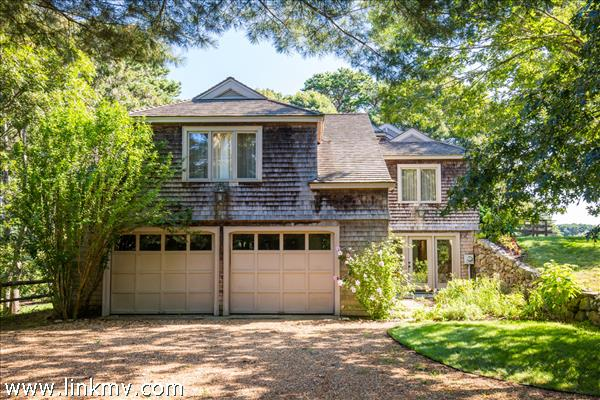 8 Harvester Way Oak Bluffs MA