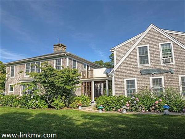 7 Chapel Avenue Edgartown MA