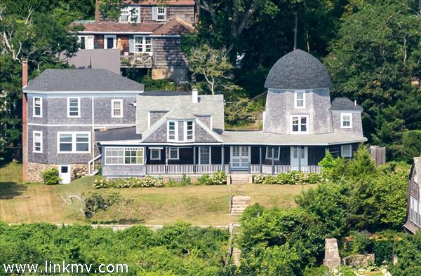 29 Mill House Way, Vineyard Haven, MA