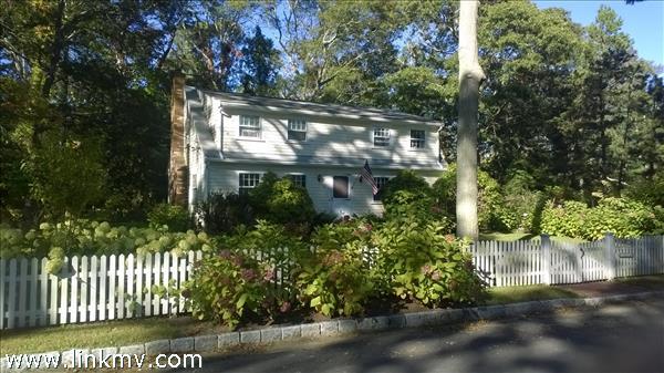 16 Oak Tree Lane Marthas Vineyard MA