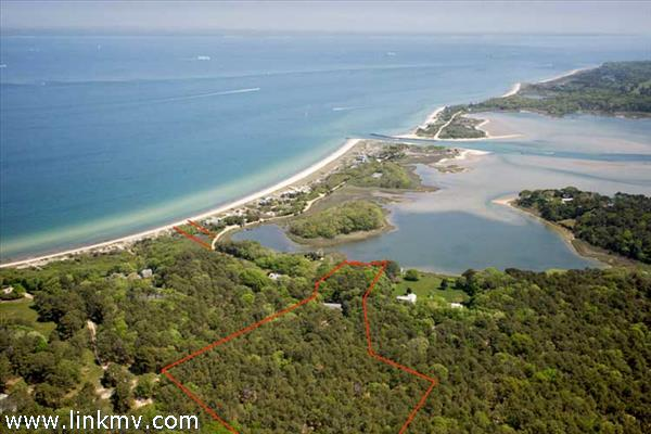 575 Chappaquonsett Road, Vineyard Haven, MA