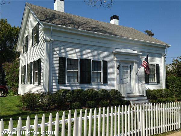 27 Spring Street, Vineyard Haven, MA