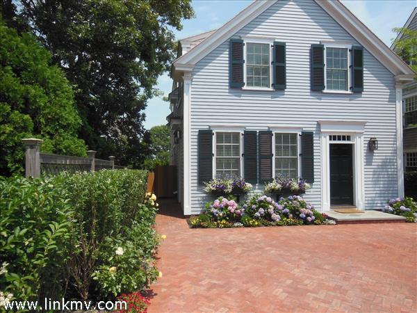 9 Cummings Way, Edgartown, MA