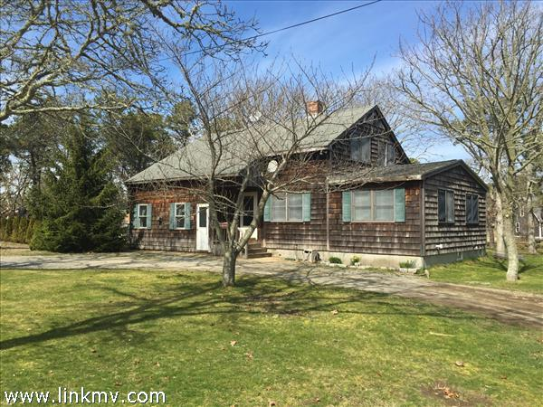 9 Sampson Avenue Edgartown MA