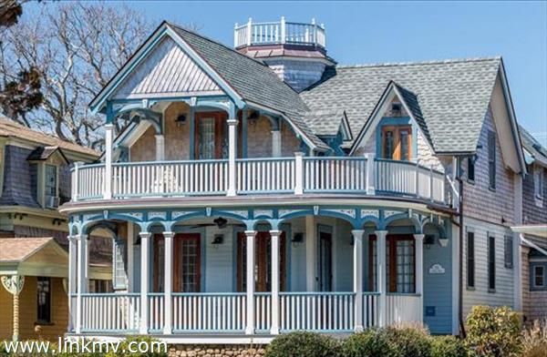 55 Ocean Avenue Oak Bluffs MA