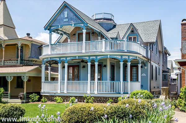 Oak Bluffs real estate 30054
