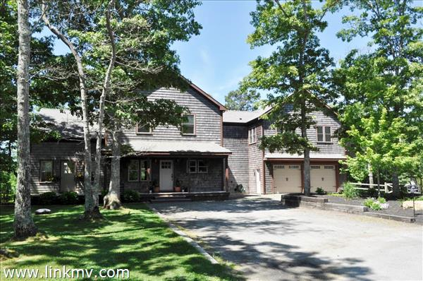 42 Bettys Lane, Vineyard Haven, MA