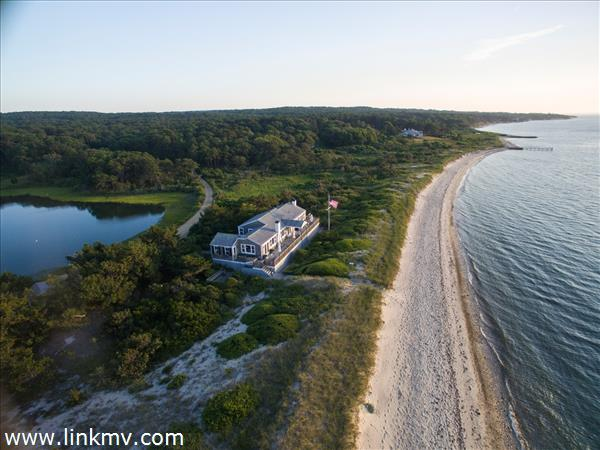662 Chappaquonsett Road, Vineyard Haven, MA