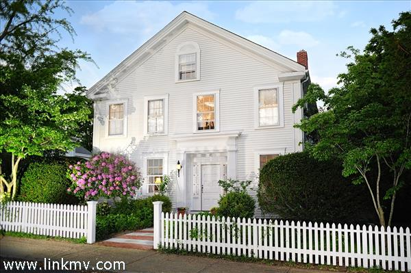 Vineyard Haven real estate 30527