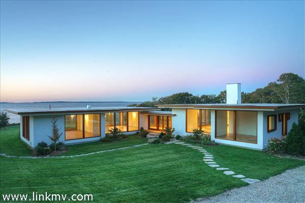 30 Beach Pebble Road, West Tisbury, MA