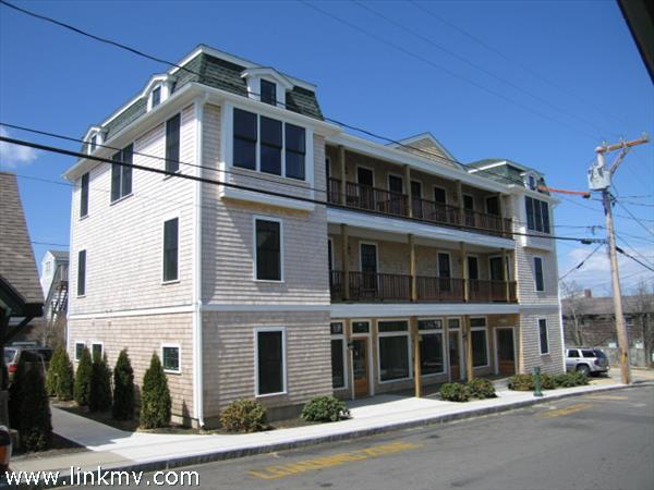 21 Kennebec Avenue, Oak Bluffs, MA