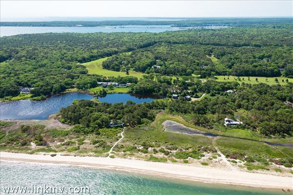 442 Bigelow Road, Vineyard Haven, MA