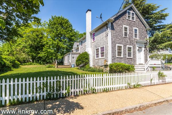 Vineyard Haven real estate 32005