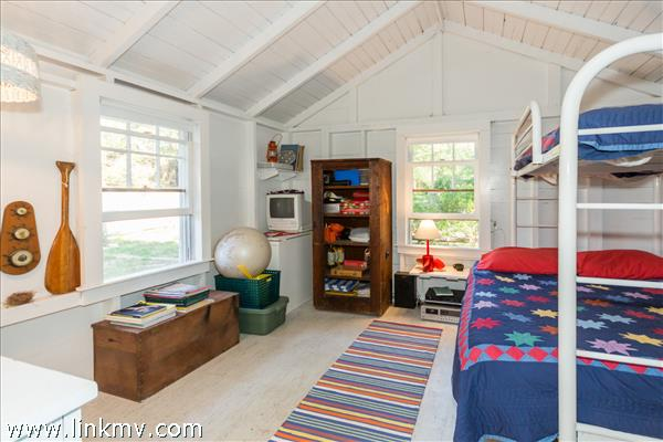 Bunk Cottage Bedroom 1
