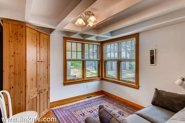 Aquinnah waterview home guest bedroom