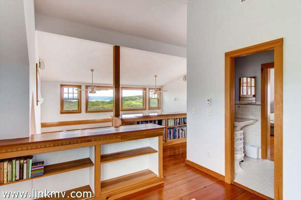 Aquinnah waterview home loft space