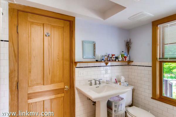 Aquinnah waterview home bathroom