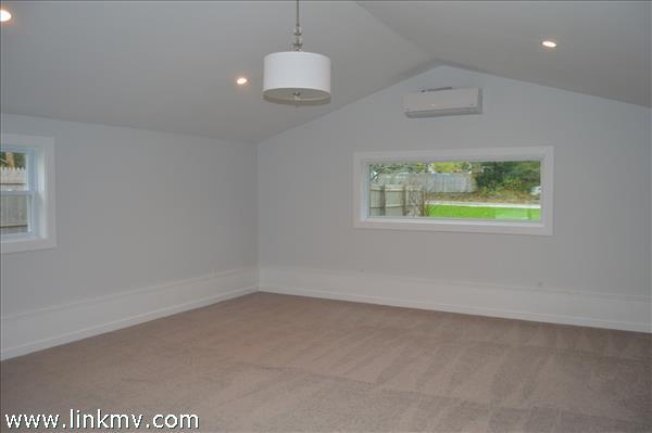 520 sq. ft. master bedroom