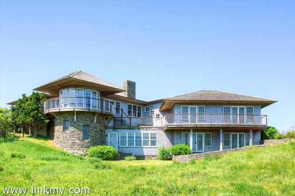 Built by Martha's Vineyard builder Tom Tate