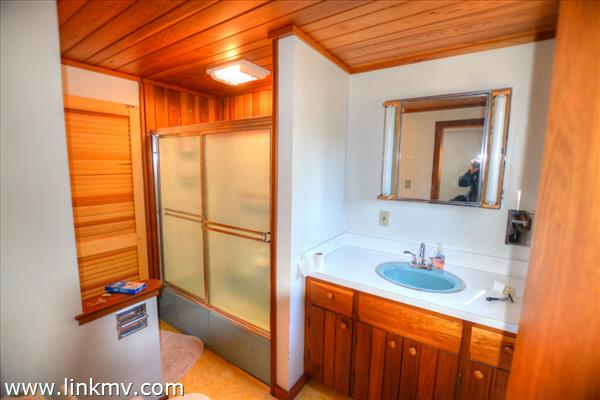 Master bath finished with Cedar.