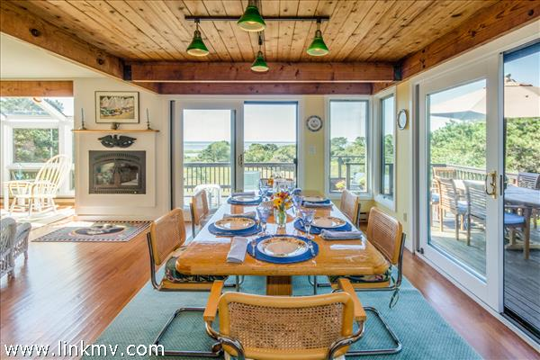 Interior and exterior dining areas