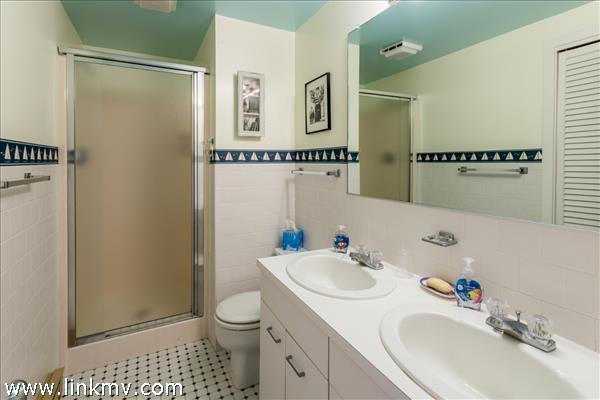 First level shared bath