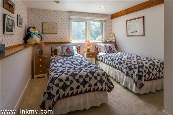 First level guest room #2
