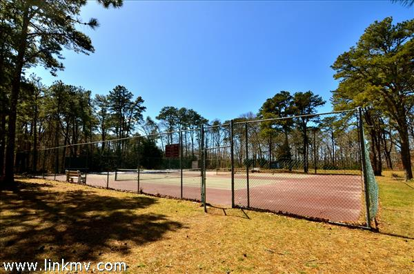 Town Tennis Courts Within Walking Distance