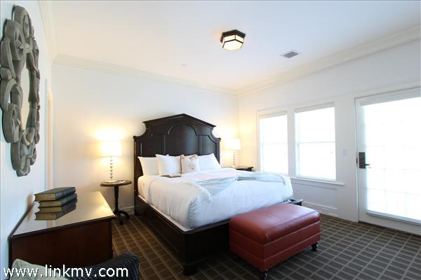 Master Bedroom - Exterior Entry