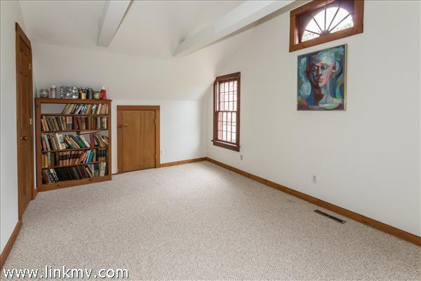 2nd floor guest bedroom 2