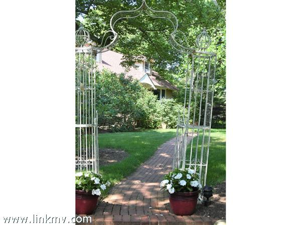 front walkway entry arbor