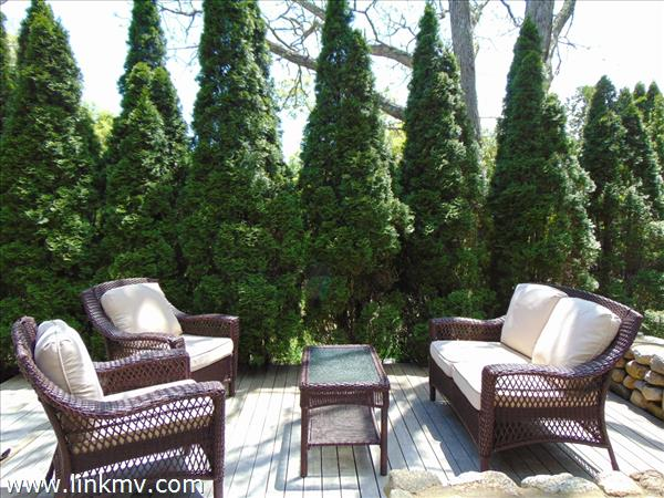 MH Outdoor Living Space