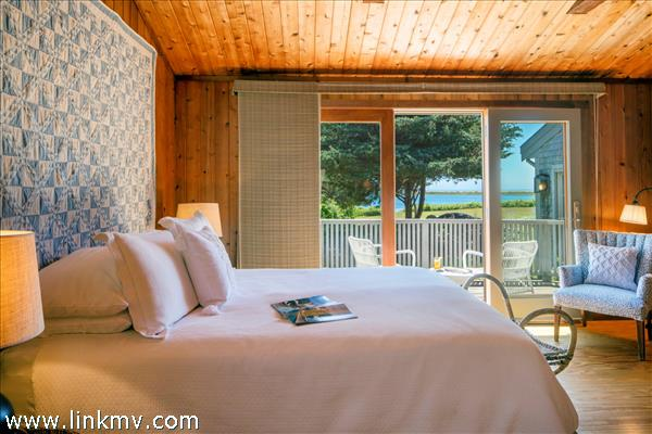 Master Bedroom at Lenom with French Door to the deck