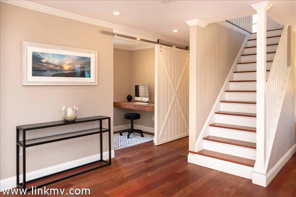 Large Foyer with Staircase to Second Floor Bedrooms