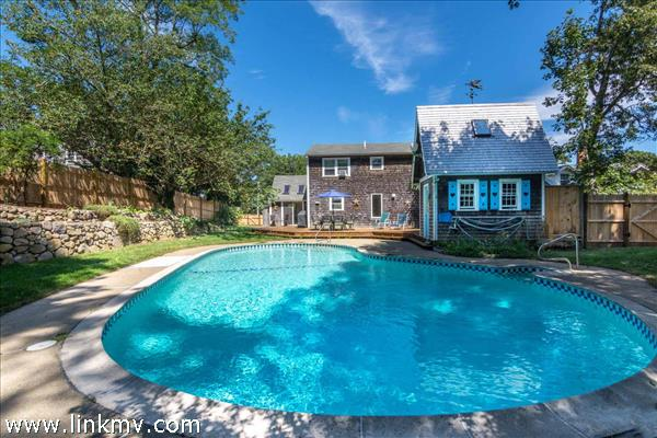 Vineyard Haven Cape with Pool