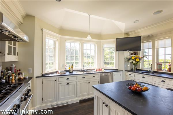The kitchen provides everything you'll need to entertain family and friends.